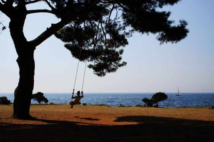 Swinging-in-Veli-Rat